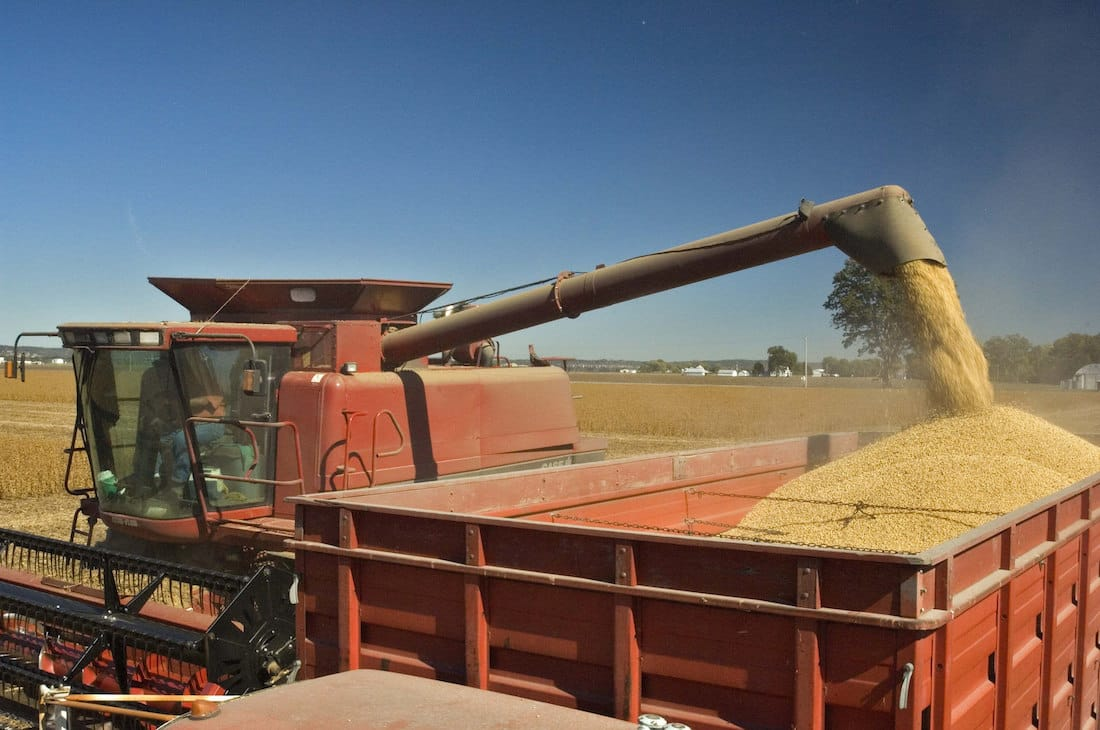 Harvesting Soybeans by United Soybean Board via Flickr (CC BY SA, 2.0 License)
