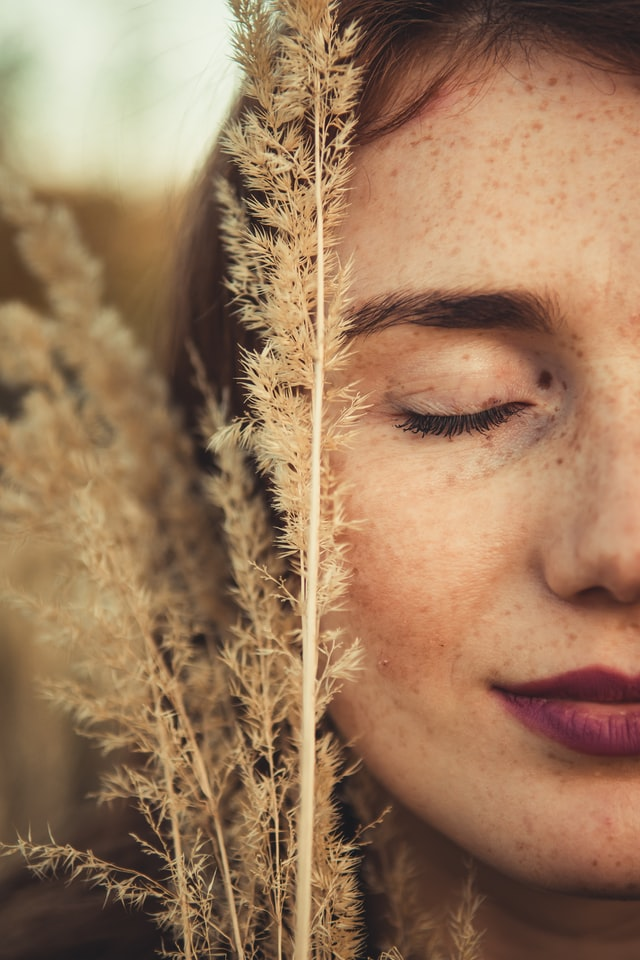 Nonsurgical Cosmetic Procedures for the Face