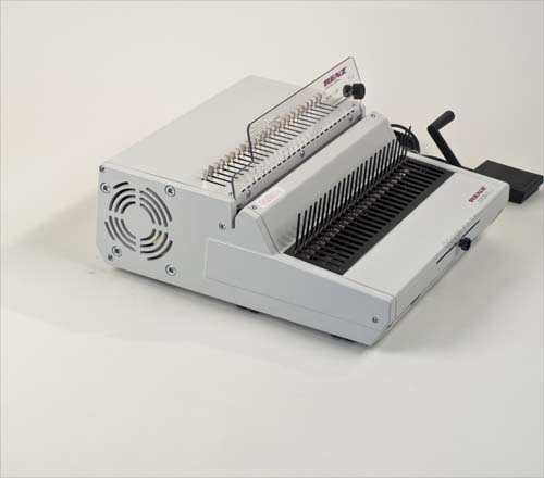 Combi E Plastic Comb Binding Machine by Renz image 7