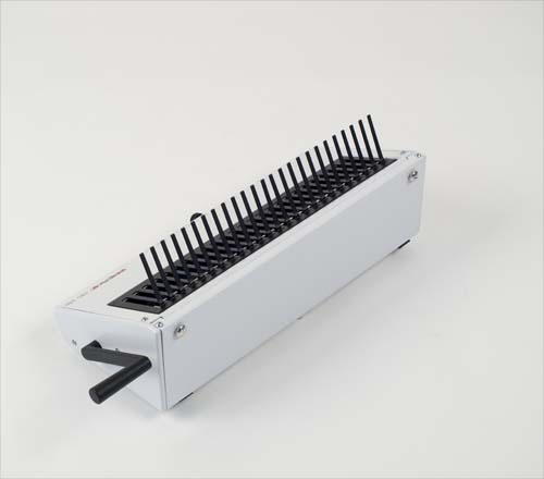 PBS 340 Plastic Comb Manual Closing Machine by Renz image 4