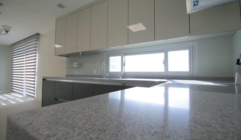 Summer Towers 2 3-Bedroom Kitchen-0557