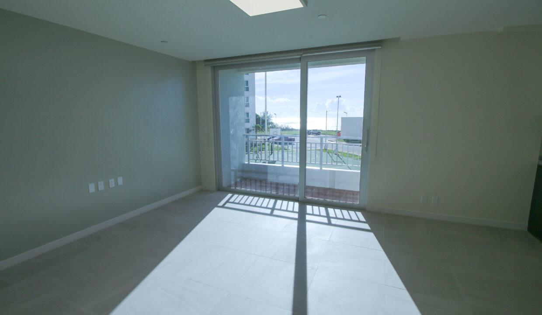 Summer Towers 2 3-Bedroom Living Room-0539