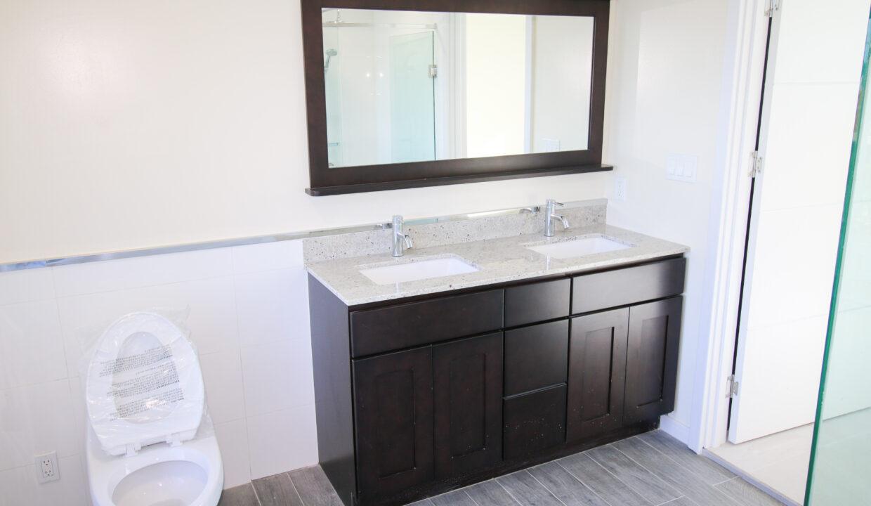 Summer Towers 2 3-Bedroom Master Bathroom-0201