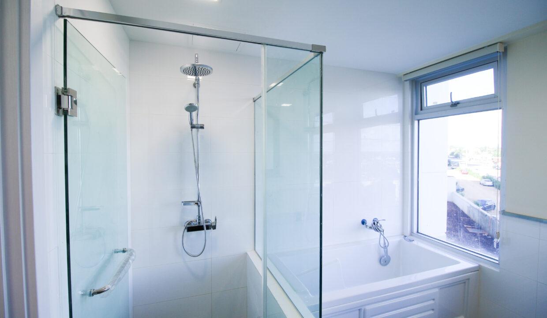 Summer Towers 2 3-Bedroom Master Bathroom-0209