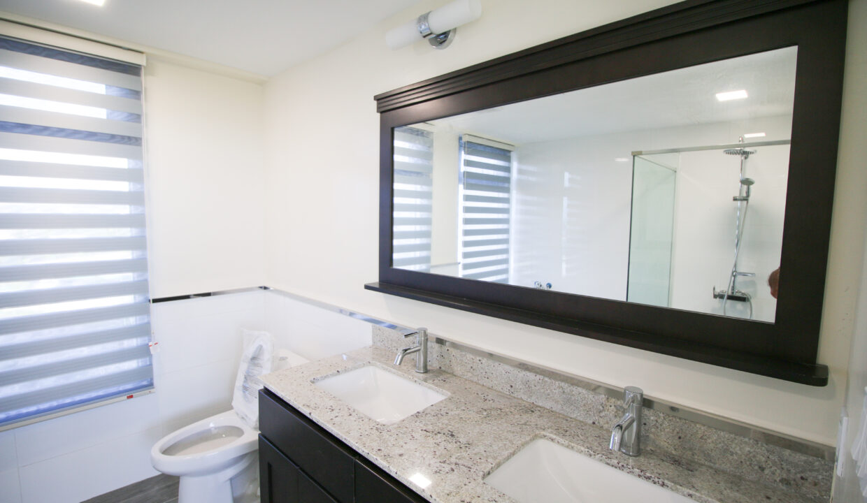 Summer Towers 2 3-Bedroom Master Bathroom-0215