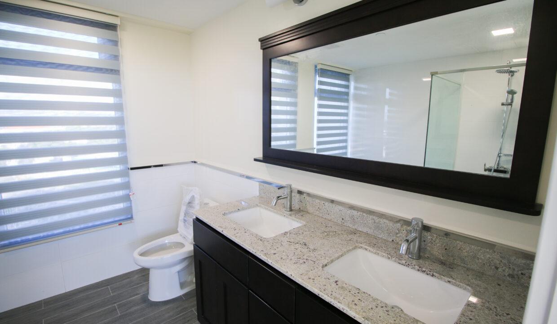 Summer Towers 2 3-Bedroom Master Bathroom-0217