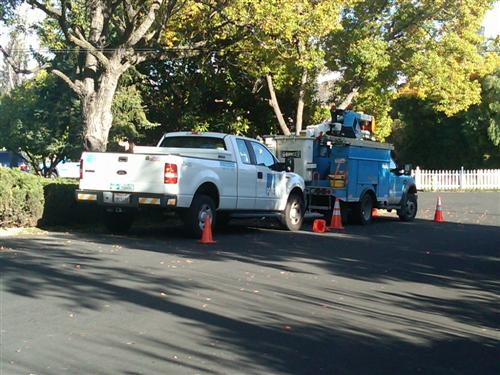 PGE Trucks on Westhill - Sound of explosion at Belblossom and Westhill, gardener injured, in east Los Gatos