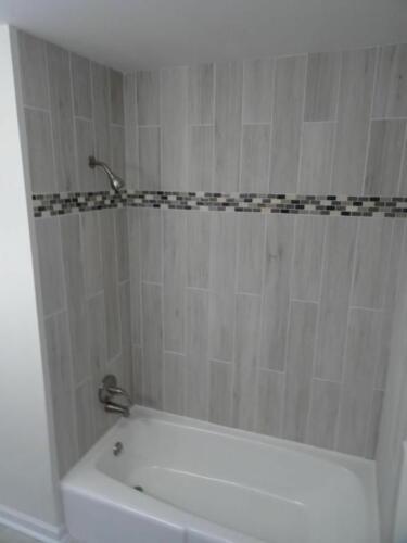 Hwy 41 Hall Bath