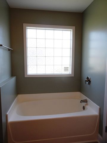 Cherry Grove Tub