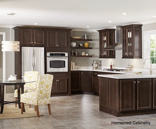 Is An Island Or Peninsula Better For Your Orlando Kitchen Remodel?
