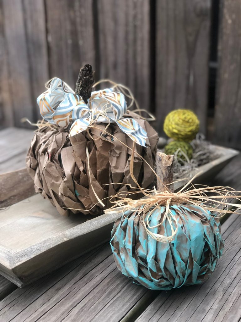 The Teal Pumpkin Project was born out of the need to keep 6 million children with food allergies safe on Halloween. Let's make those pumpkins #lunchbagpumpkindiy #tealpumpkinproject #halloween #brownpaperpumpkindiy