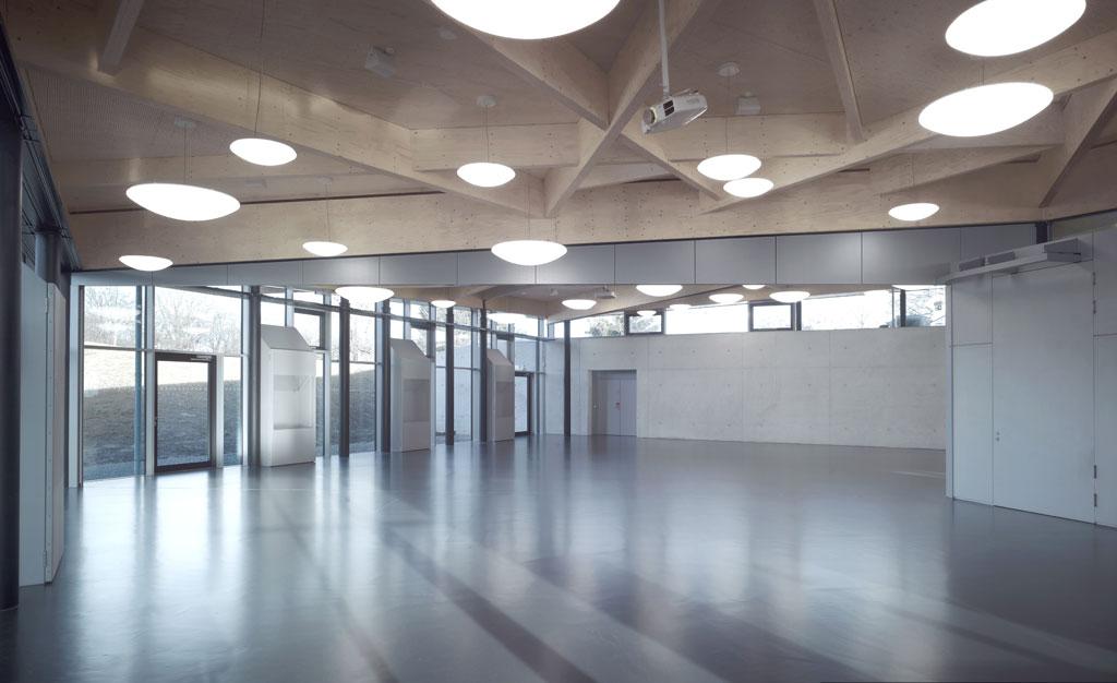 School centre dining hall in Schwäbisch Gmünd, Germany. Photo credit: Michael Schnell