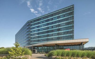 SOLARBAN R100/SOLARBLUE glass helps Daimler Trucks North American HQ achieve LEED Platinum certification