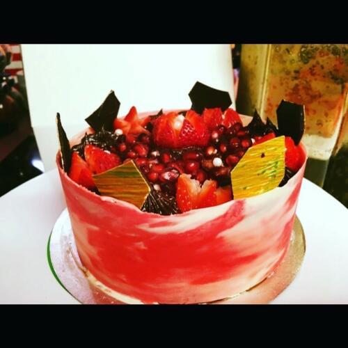 POMEGRANTE CUT CAKE