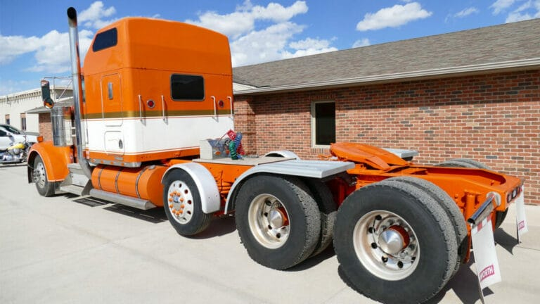 Aulick Custom Truck Stretching