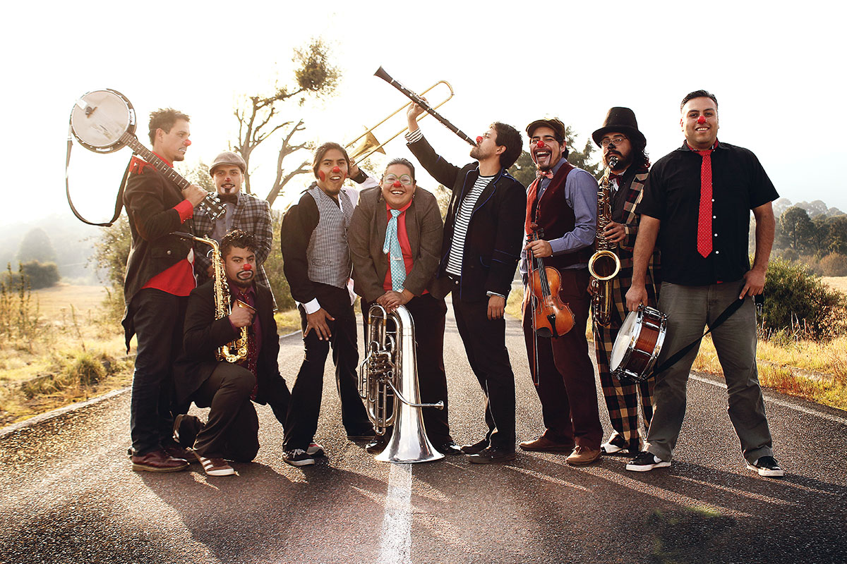 De la calle a los escenarios… Triciclo Circus Band