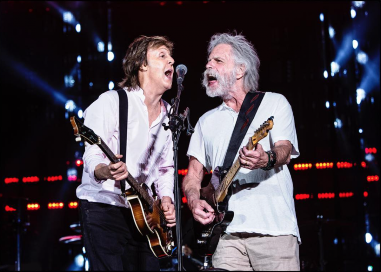Paul McCartney invita a Bob Weir al escenario