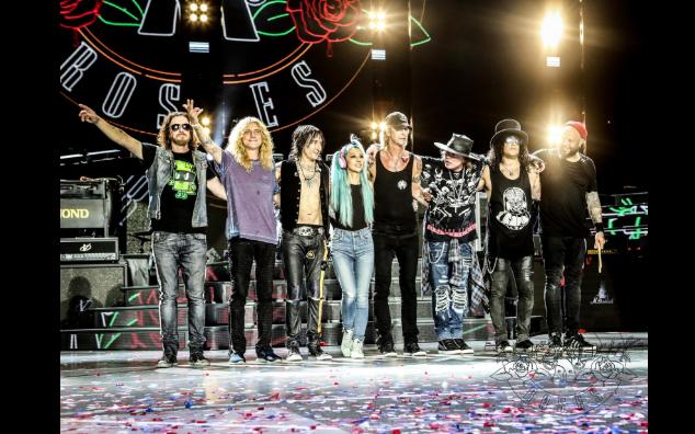 Steven Adler se reunió anoche con Guns N' Roses