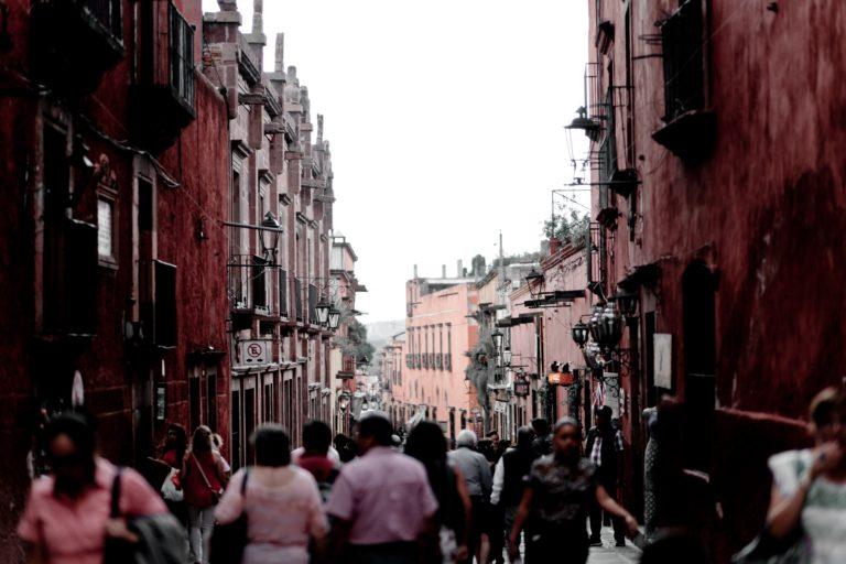 Público de Barrio: La independencia se consume temblorosa