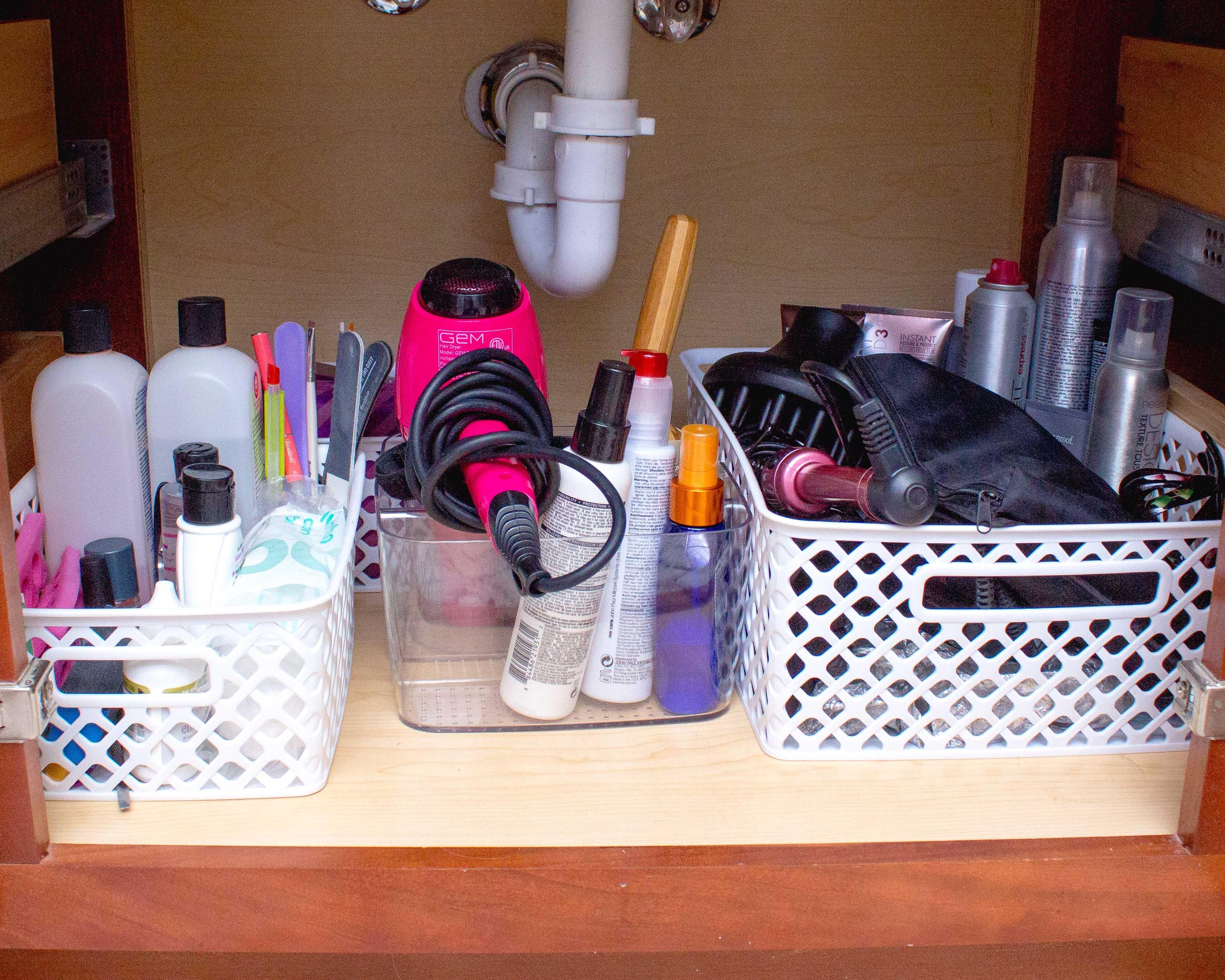 5 TIPS FOR BATHROOM ORGANIZATION