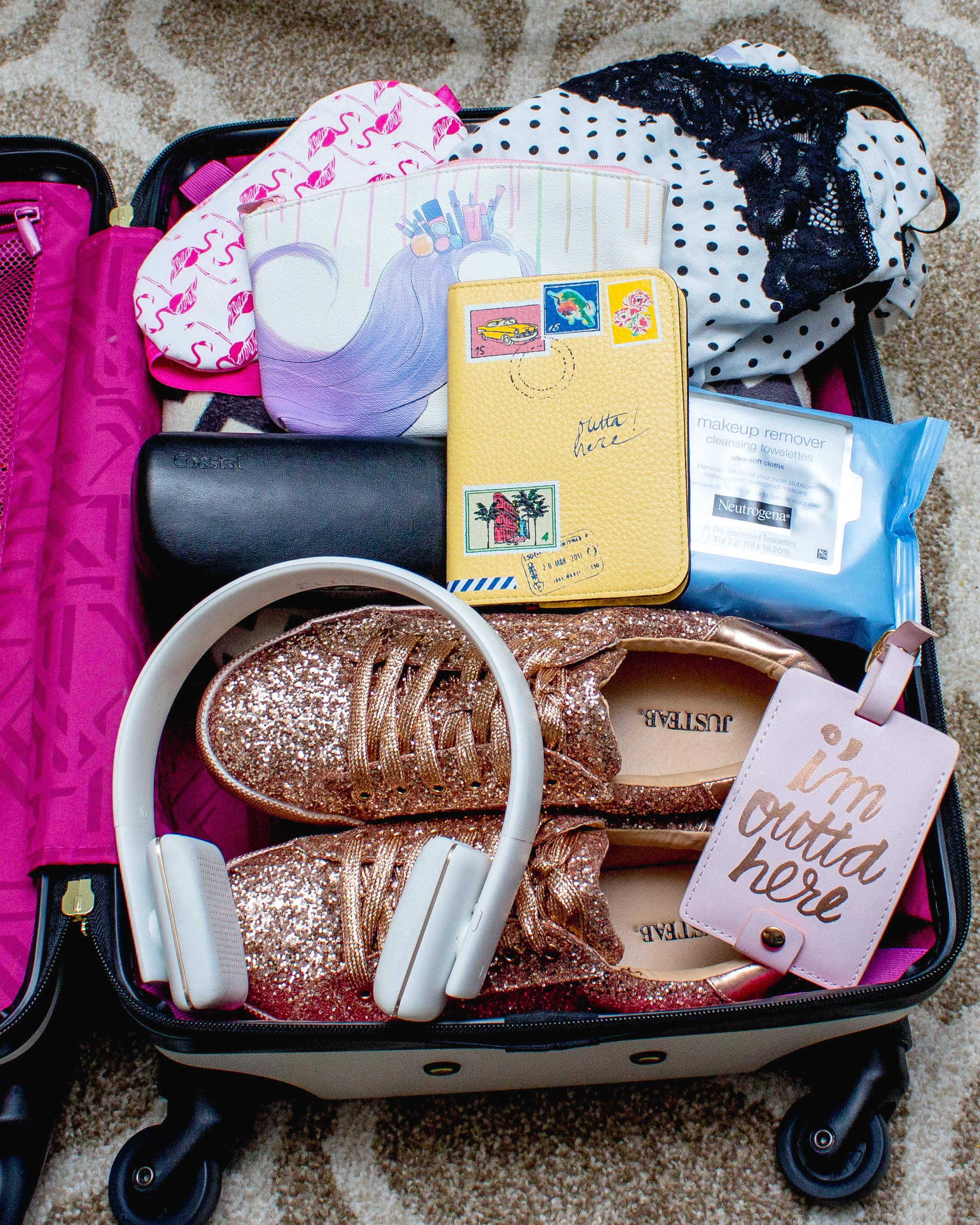 HOW TO PACK YOUR CARRY-ON