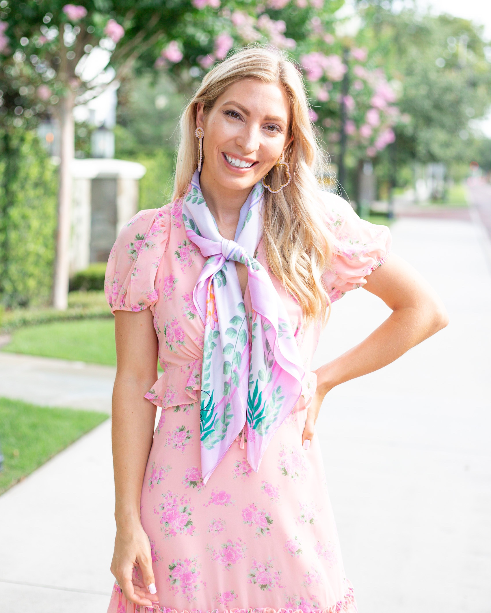 NECK-TIE 4 WAYS TO STYLE A SILK SCARF