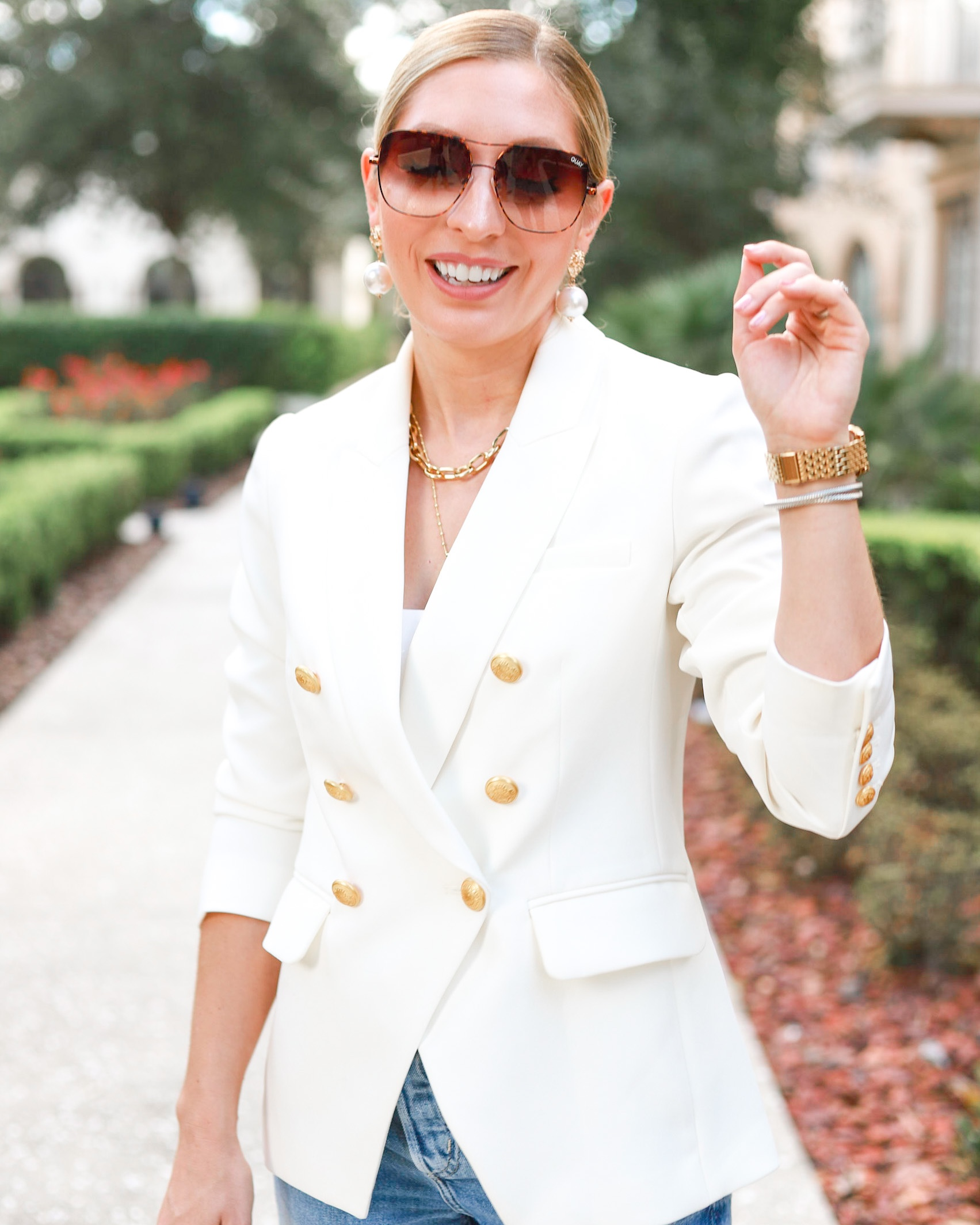 MISSION STATEMENT WHITE BLAZER