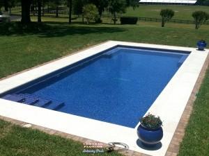 Pool w/glass tile