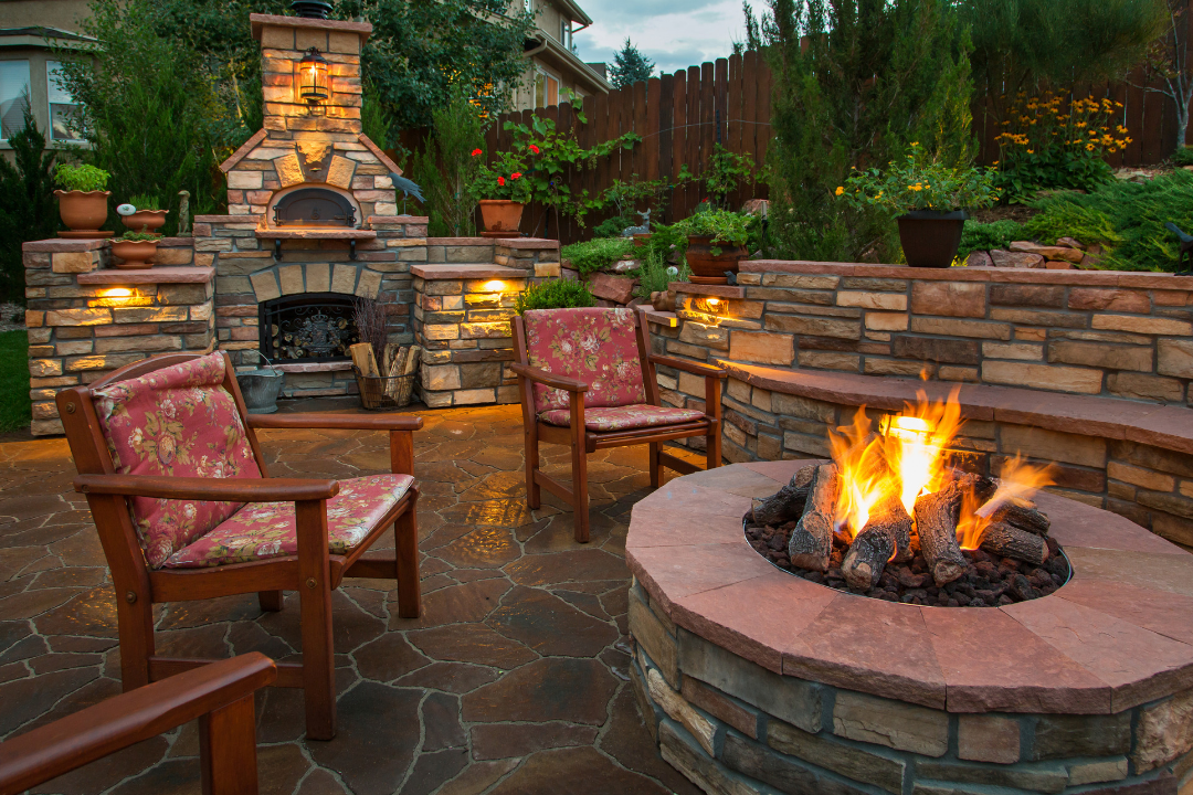 Outdoor Fire Pits and Fireplace Ideas for your Backyard ...