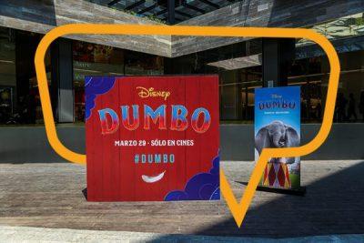 Publicidad en Plaza Satélite, mampara de Dumbo