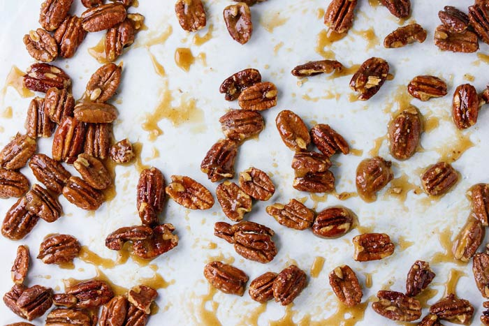 Glazed pecans as a healthy salad topping
