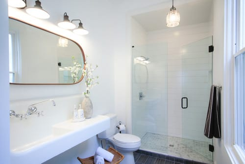 eclectic-bathroom-small