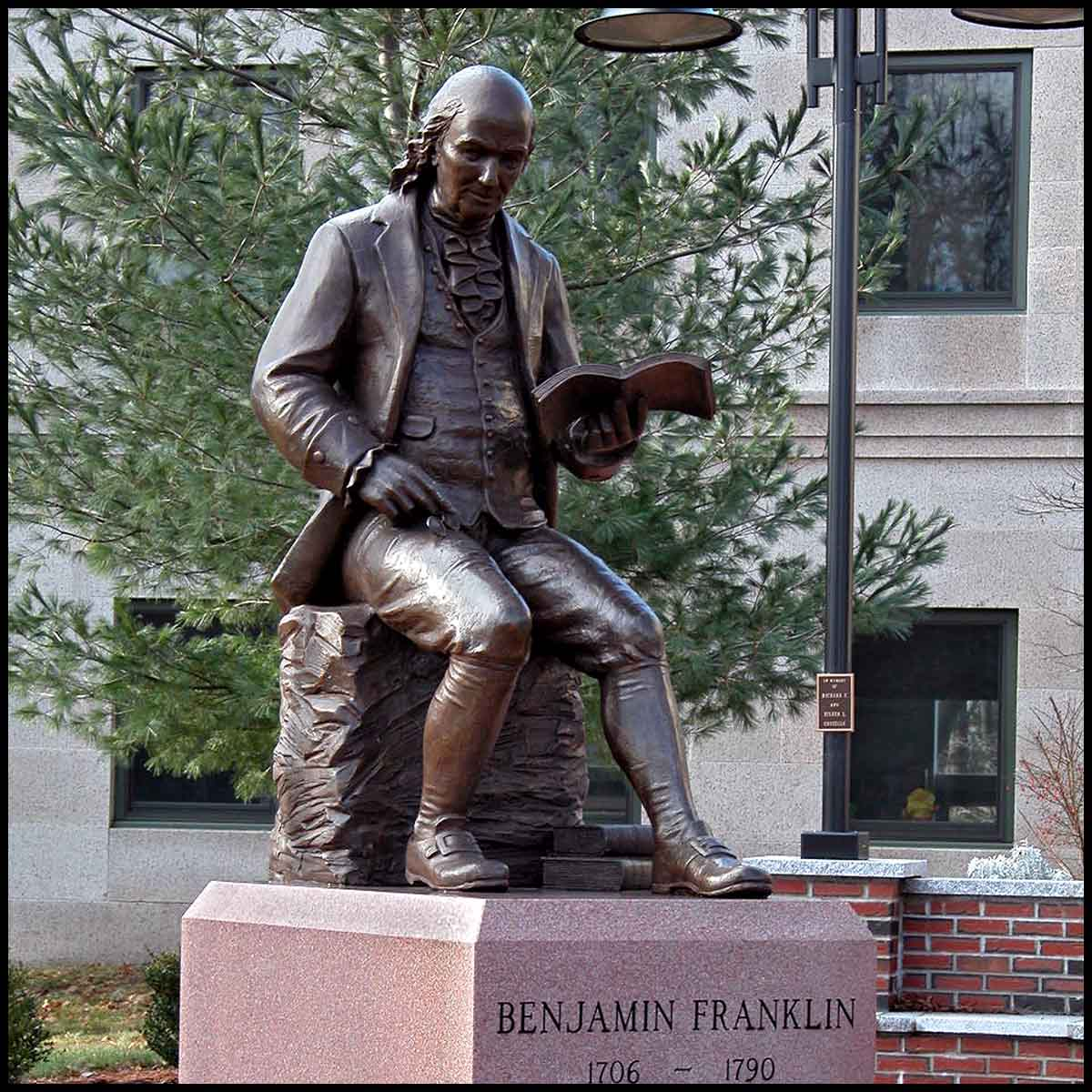 exterior photo of bronze sculpture of Benjamin Franklin