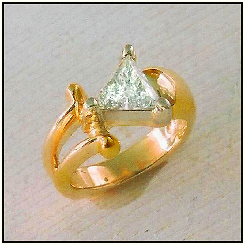 1.25ct Trillion diamond 18 Karat & Platinum