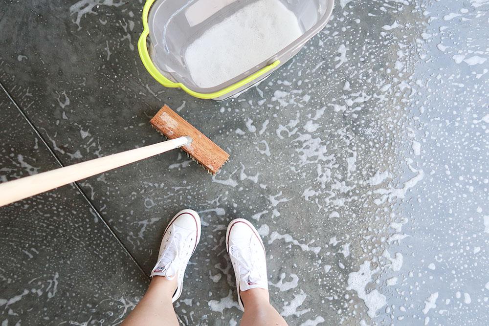 Epoxy on the Garage Floor DIY via Sarenabee.com