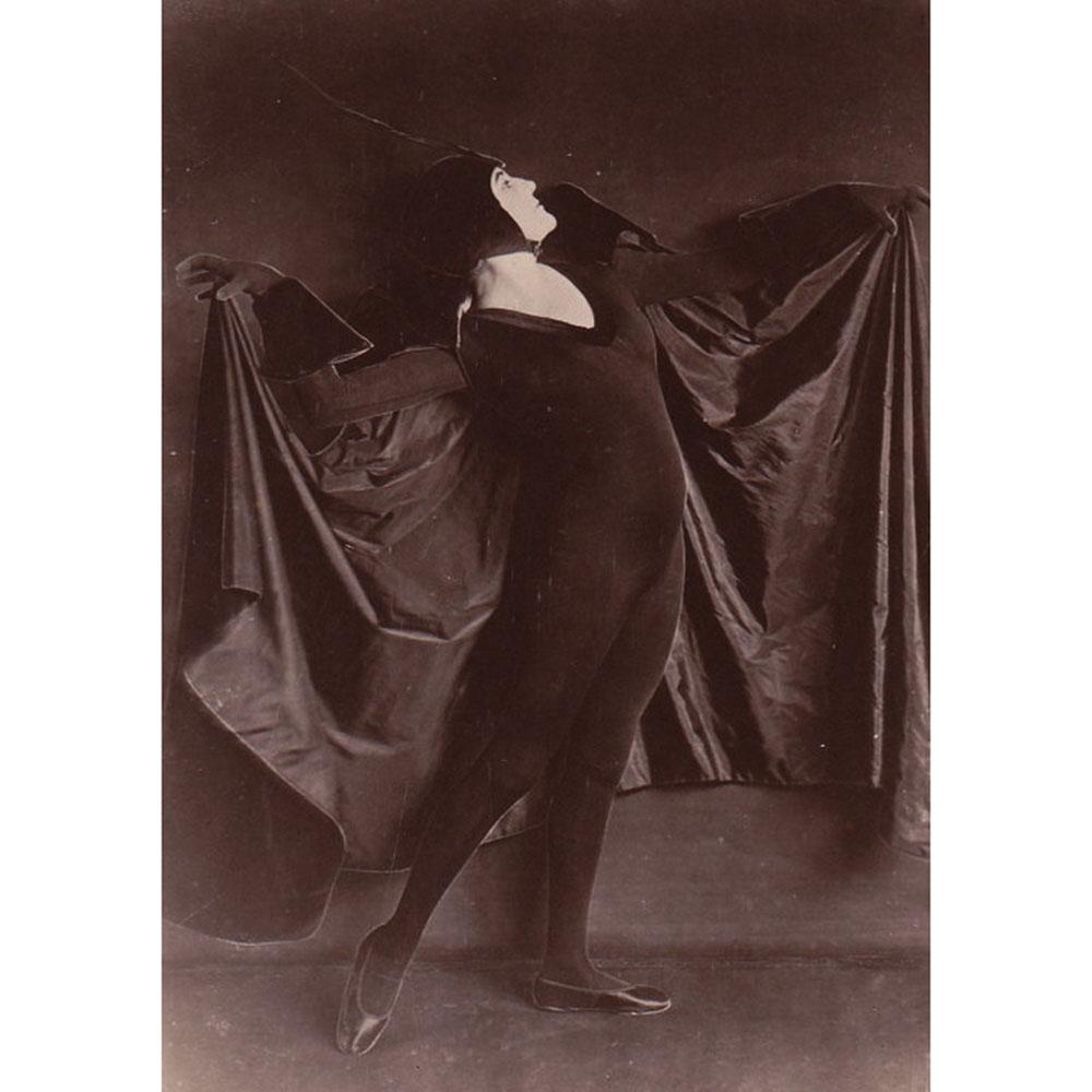 Wiener Museum Alice Delysia as a Bat