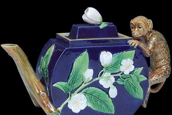 Wiener Museum Minton Teapot