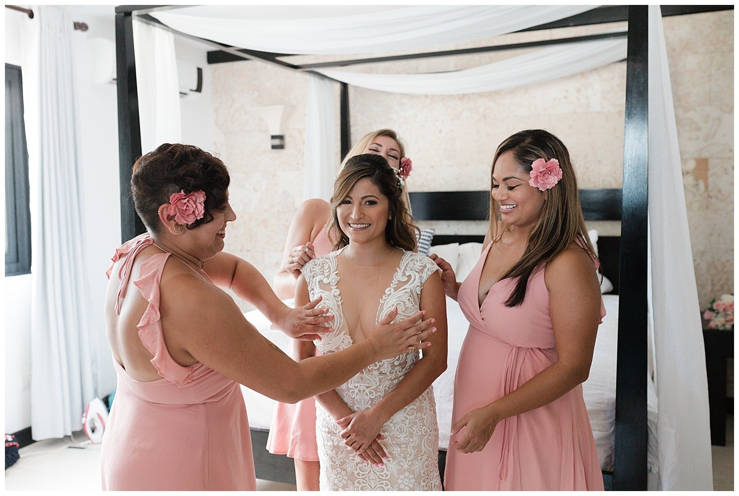 bride getting ready at Villa Cocomar in the Dominican Republic by Swish and Click Photographer