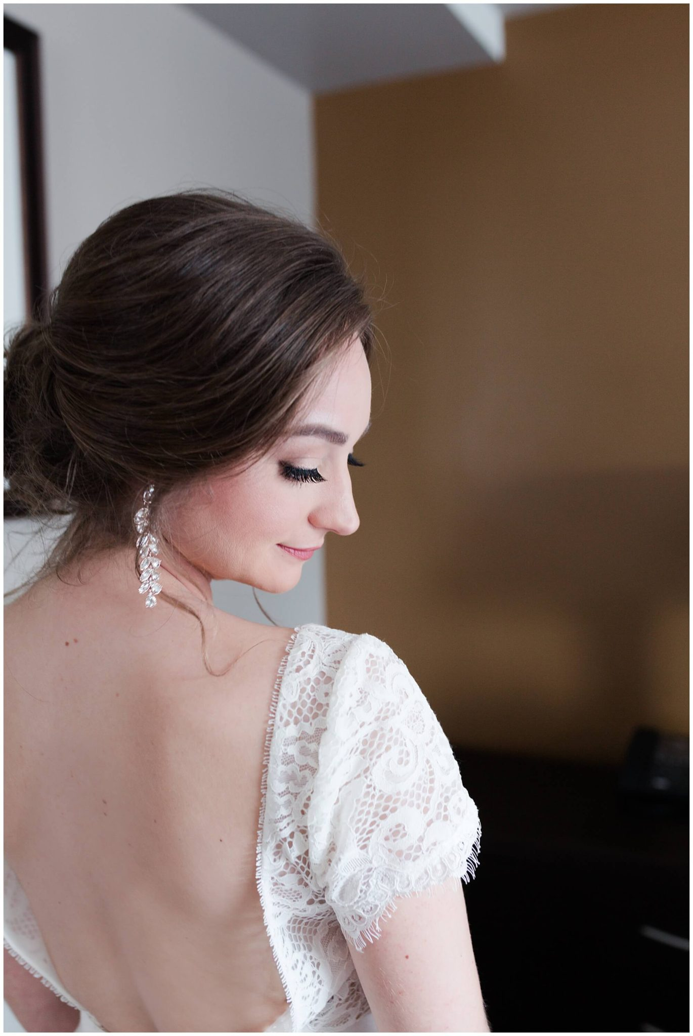 bridal portrait at Sam Houston Hotel in Houston Texas by wedding photographer Swish and Click