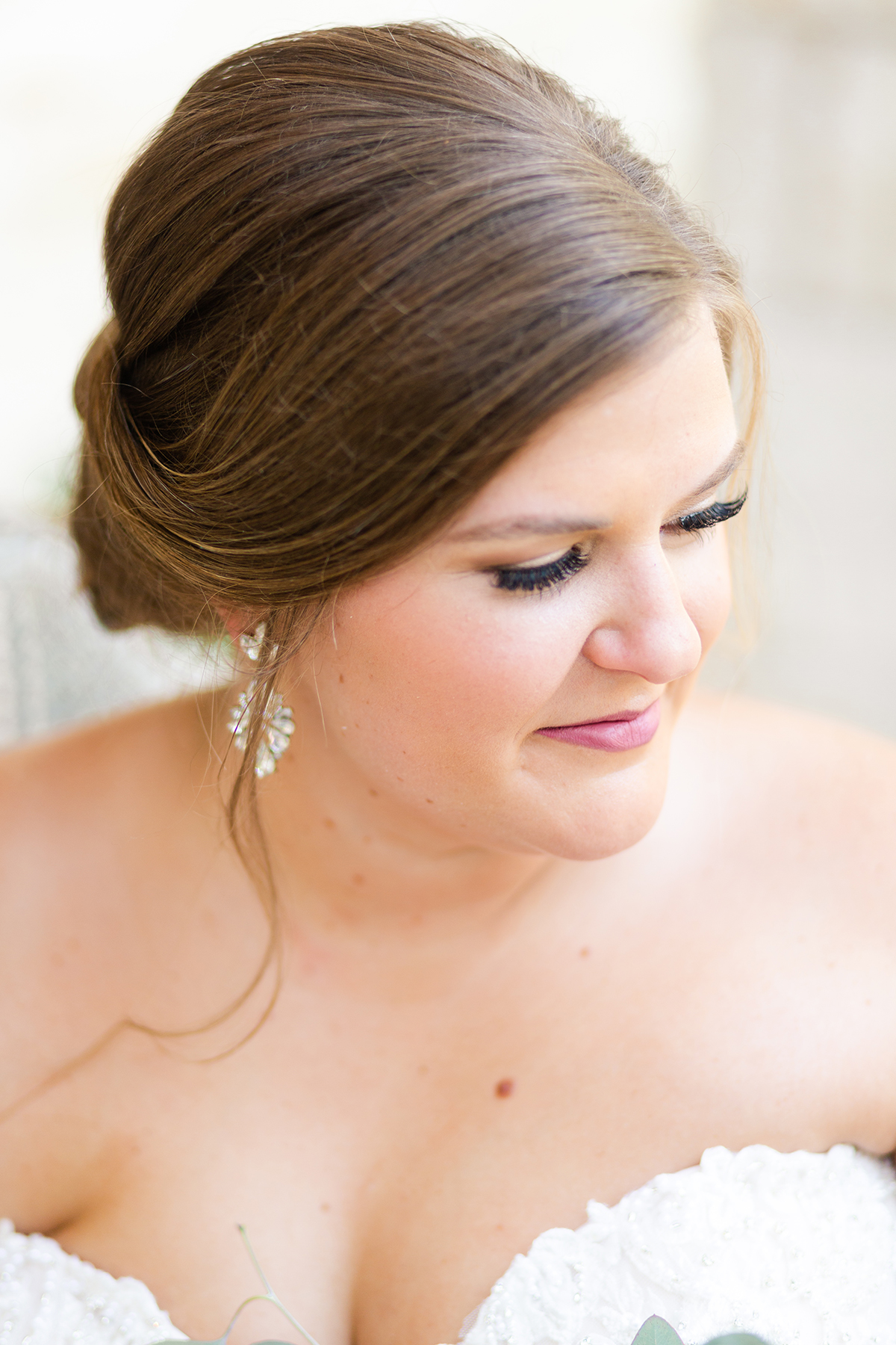 Two talented hair and makeup artists in Houston Swish and Click Photography Houston wedding photographer 5