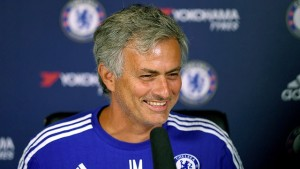 mourinho-signs-new-contract.img