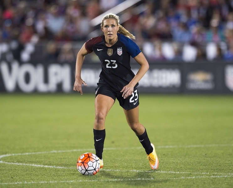 Long, Allie Long, USWNT, Ellis, CONCACAF