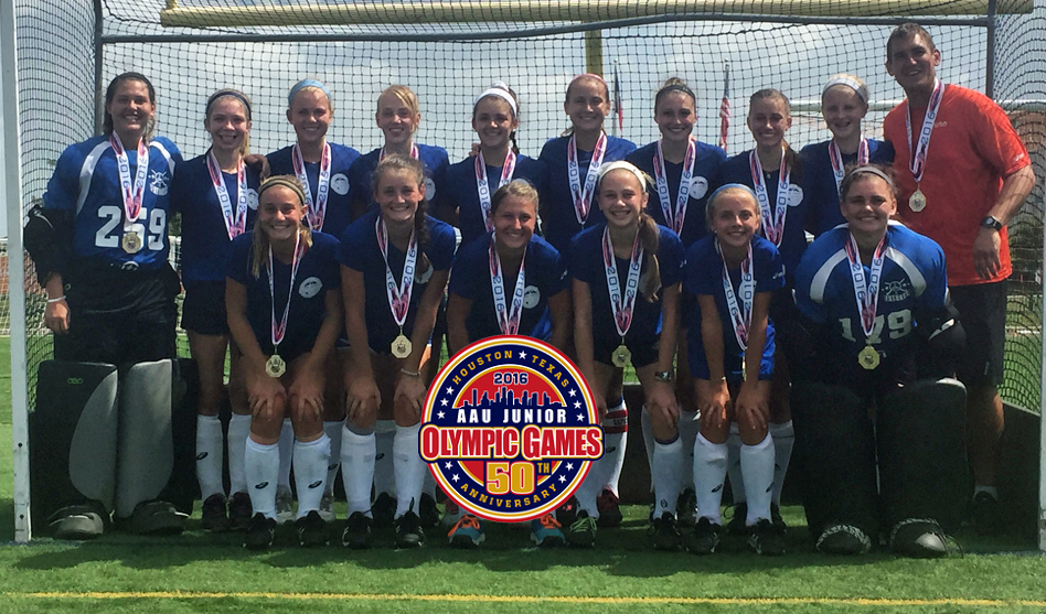 Team Royal takes the 2016 AAU Junior Olympics Gold