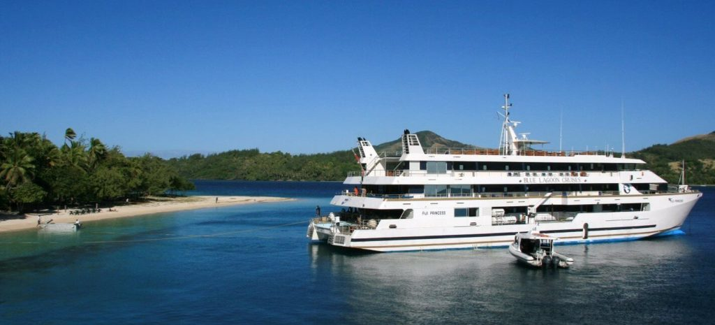 SEAFIJI CONNECT -FastBoat connections from Mamanuca properties with Blue Lagoon Cruises