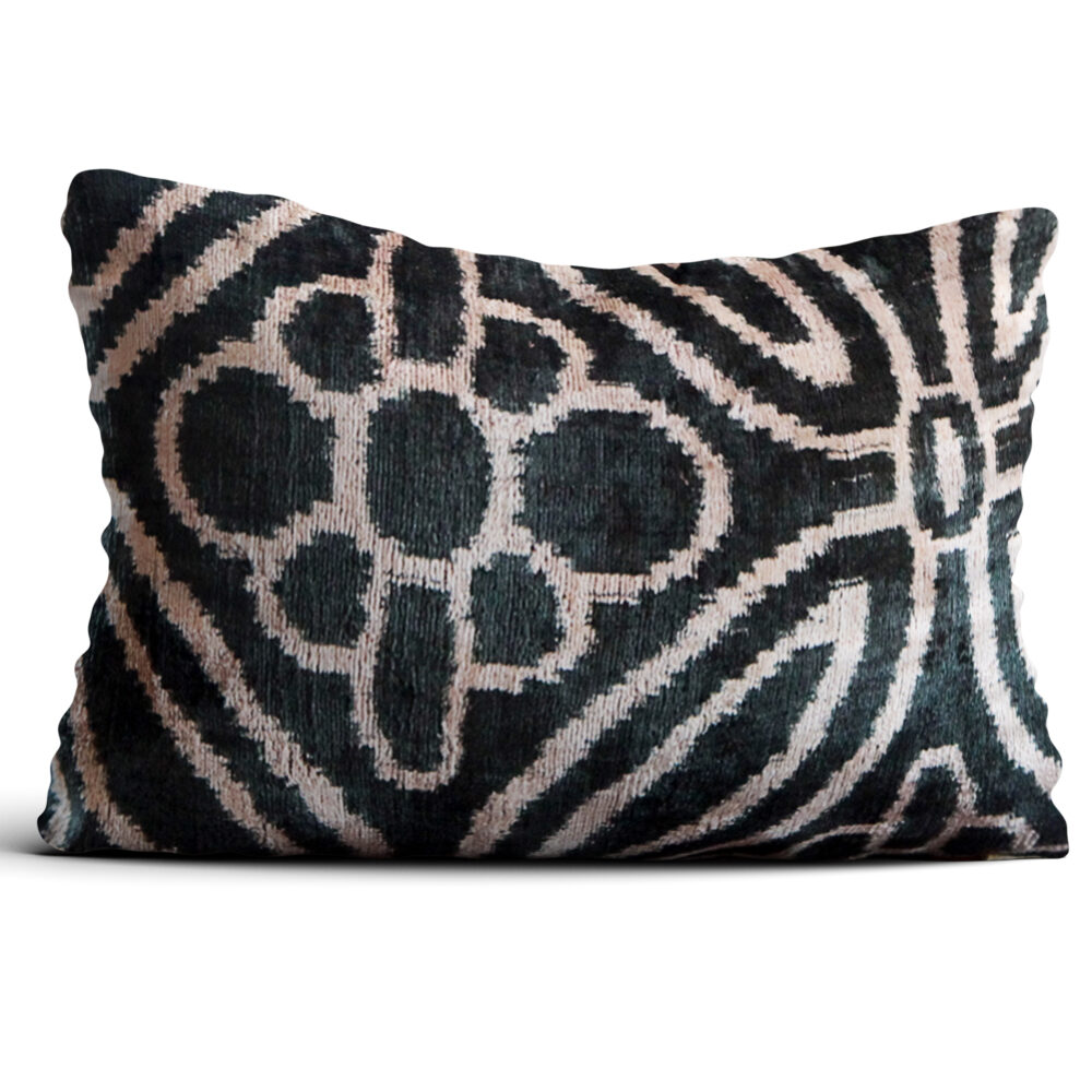 4083-silk-velvet-pillow