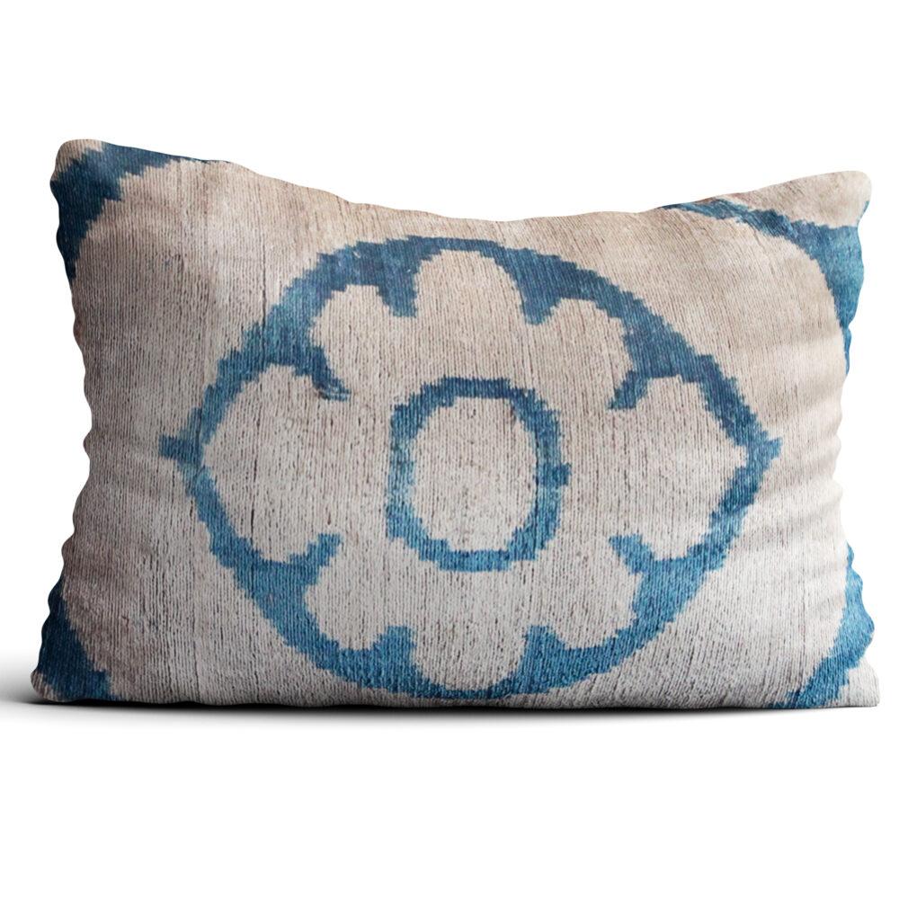 5584-silk-velvet-pillow