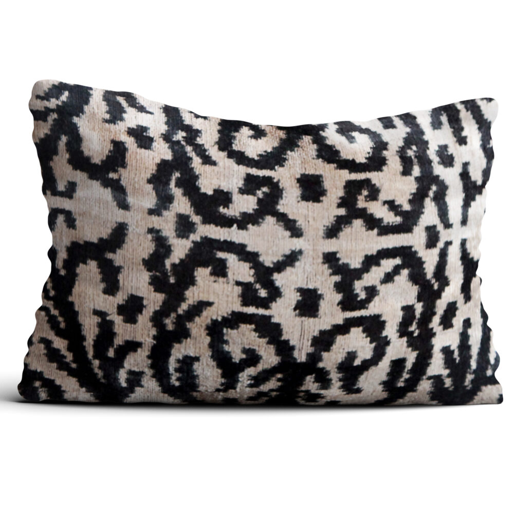 6674-silk-velvet-pillow