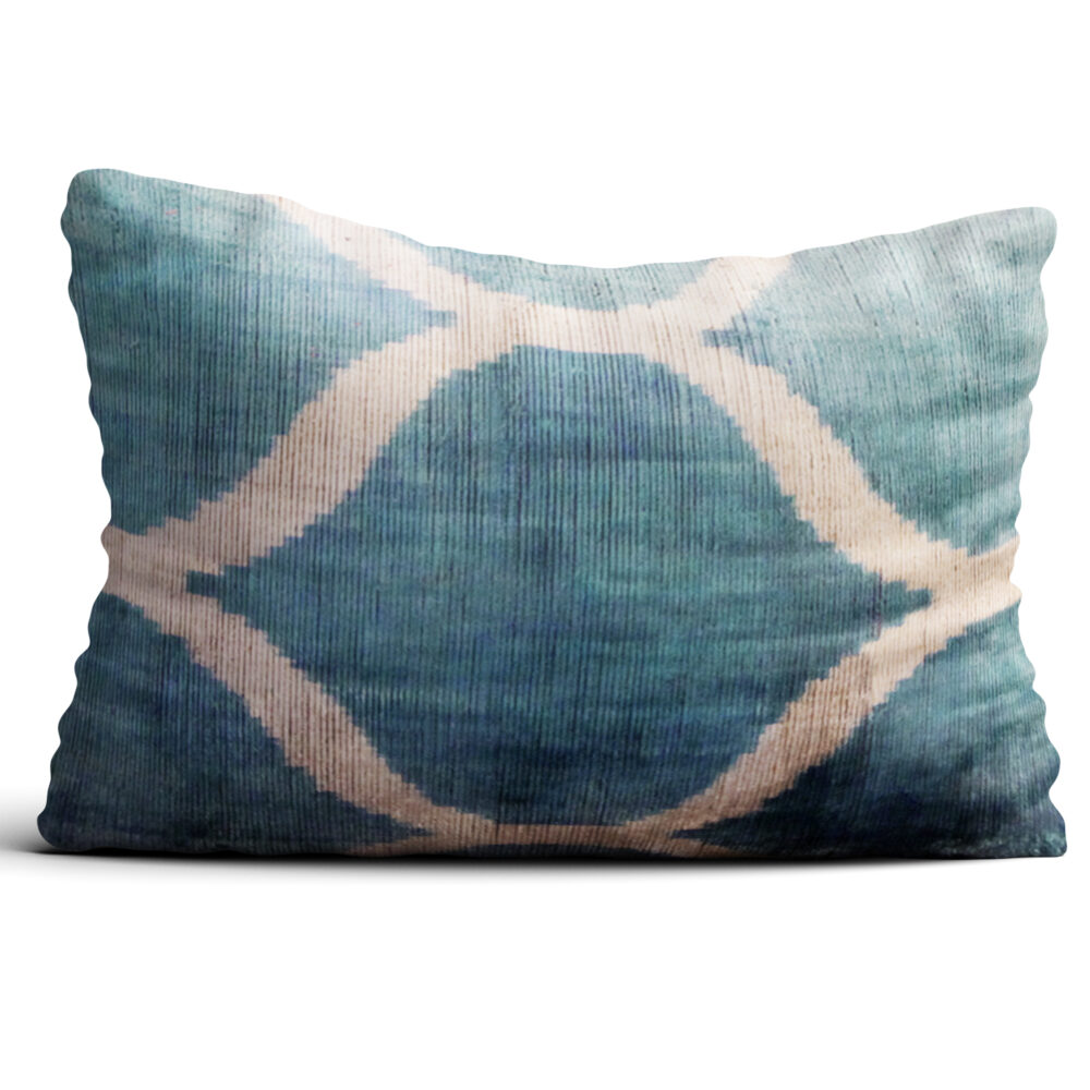 8212-silk-velvet-pillow