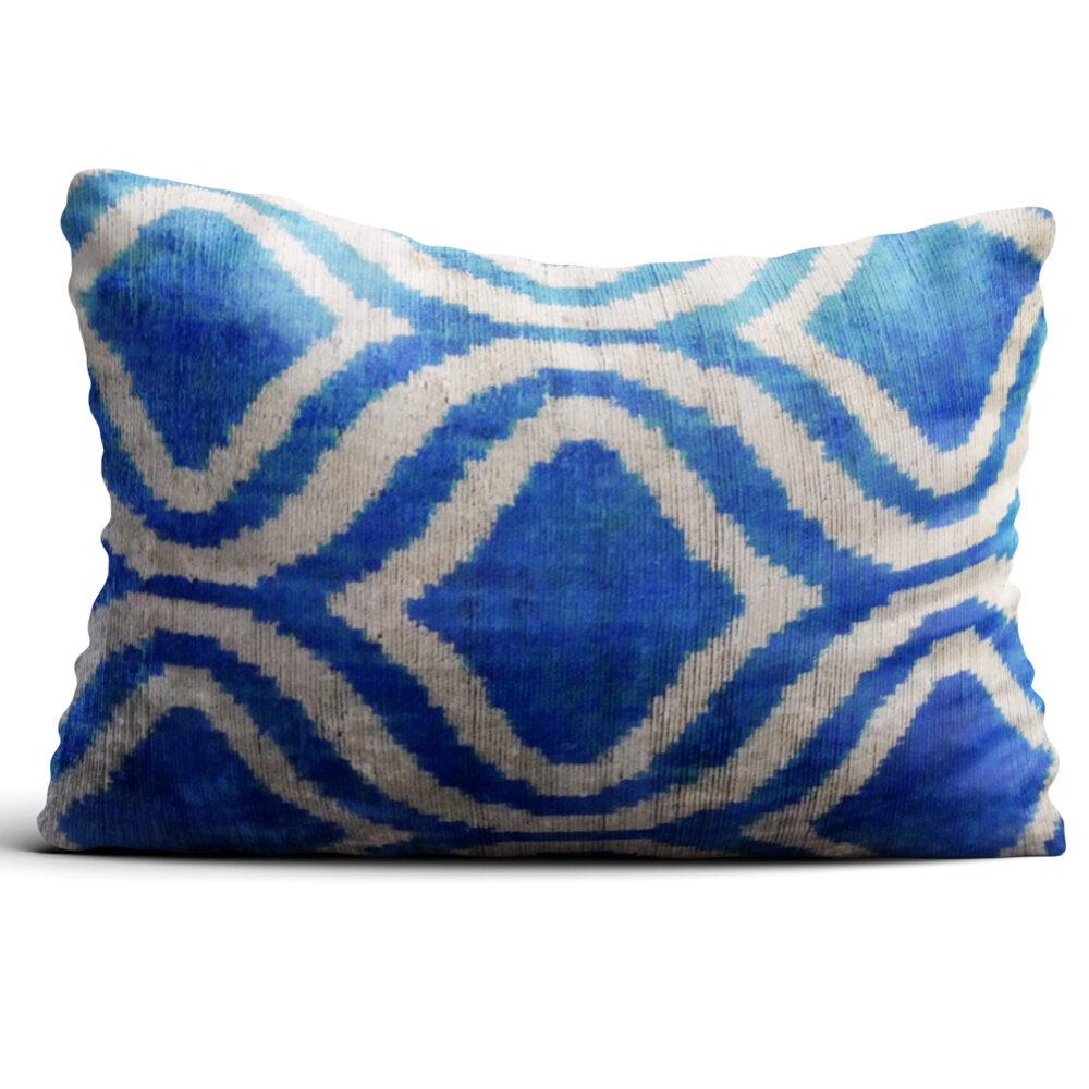 8222-silk-velvet-pillow