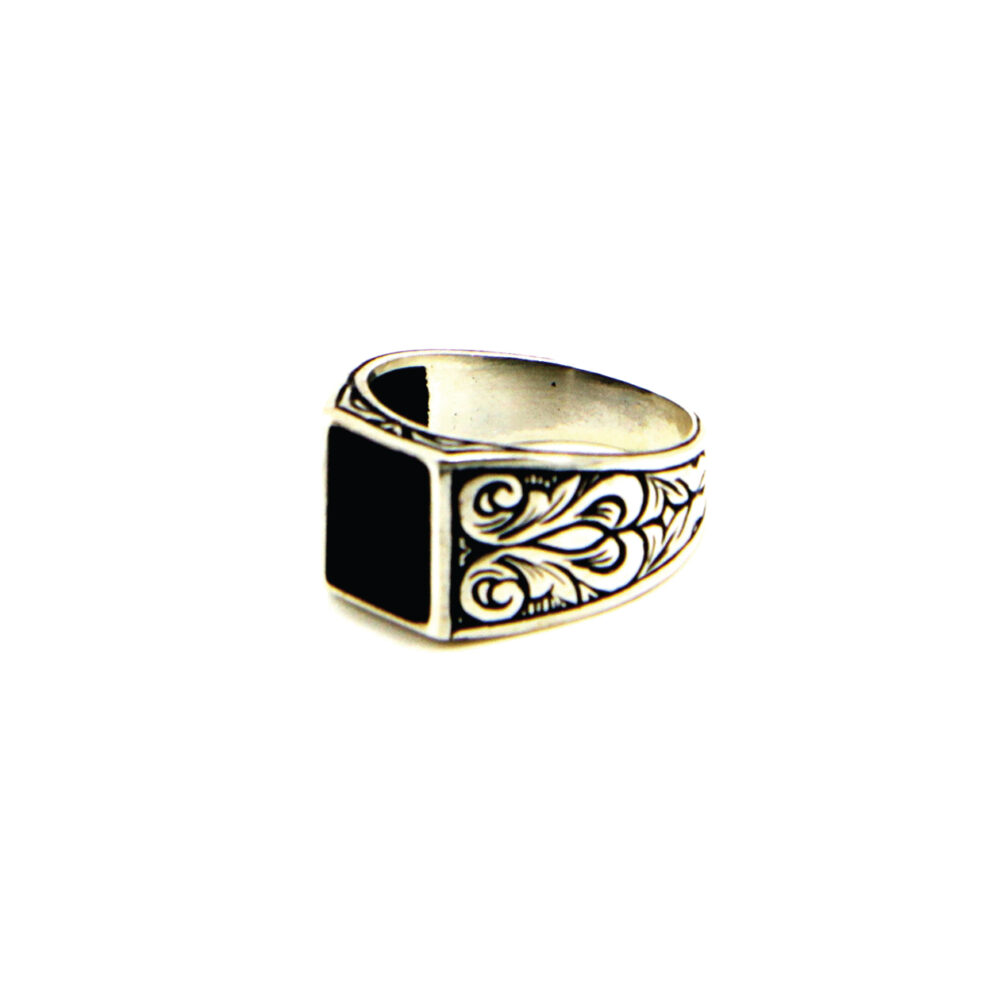 jason-b-graham-silver-ring-side-0006-MGB